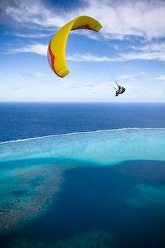 Paragliding Huahine