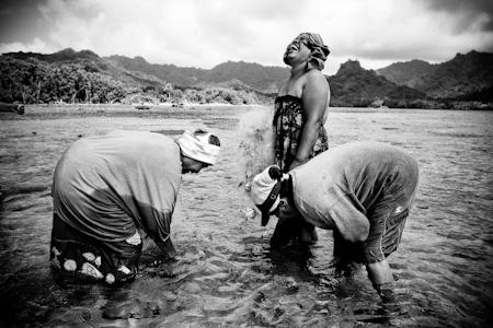Local Kosrae women