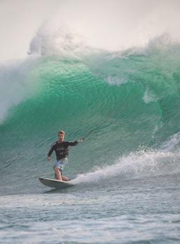 Kitesurfing waves
